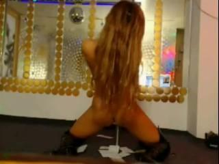 Dancing stripting girls