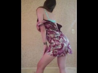 Dance & strip from dress to Selena Gomez- Love you like a love song