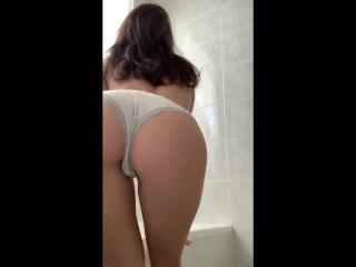 EMILY LAURENN: Ragazza di 18 anni fa uno spogliarello sexy