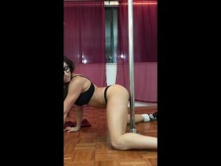 Slutty School Girl VS Twerking Butt